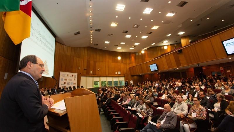 """""""Estamos trabalhando para fazer do Rio Grande um Estado moderno, eficiente e sustentável"""", declarou Sartori"""
