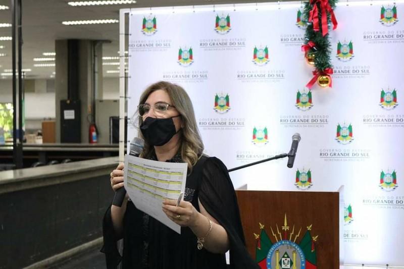 """A coordenadora de Demanda Escolar da Seduc, Salete Albuquerque, é a idealizadora do aplicativo """"Ler é Tri"""""""
