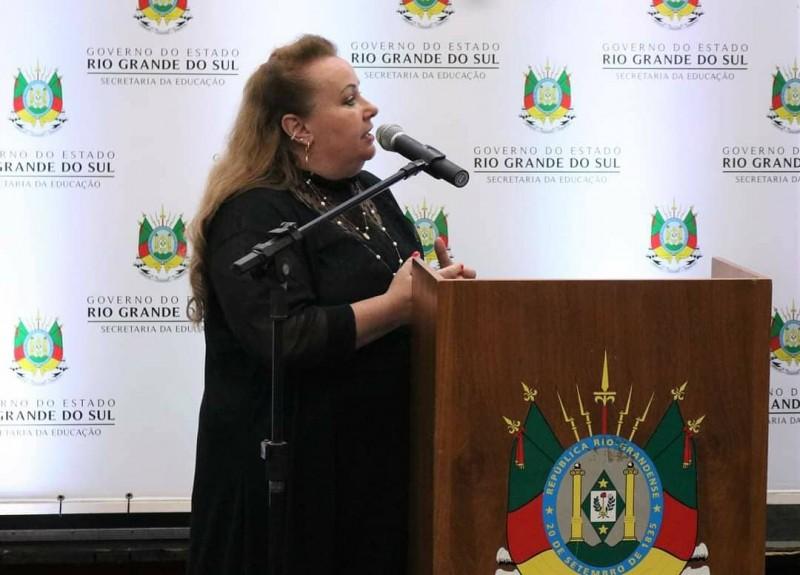 A secretária adjunta de Educação, Ivana Flores, considera a iniciativa como um marco histórico na educação gaúcha
